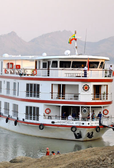 EXPERIENCE-SEEKER---Myanmar-Luxury-River-Cruise--Shimmering-Temples-&-Remote-Villages---2